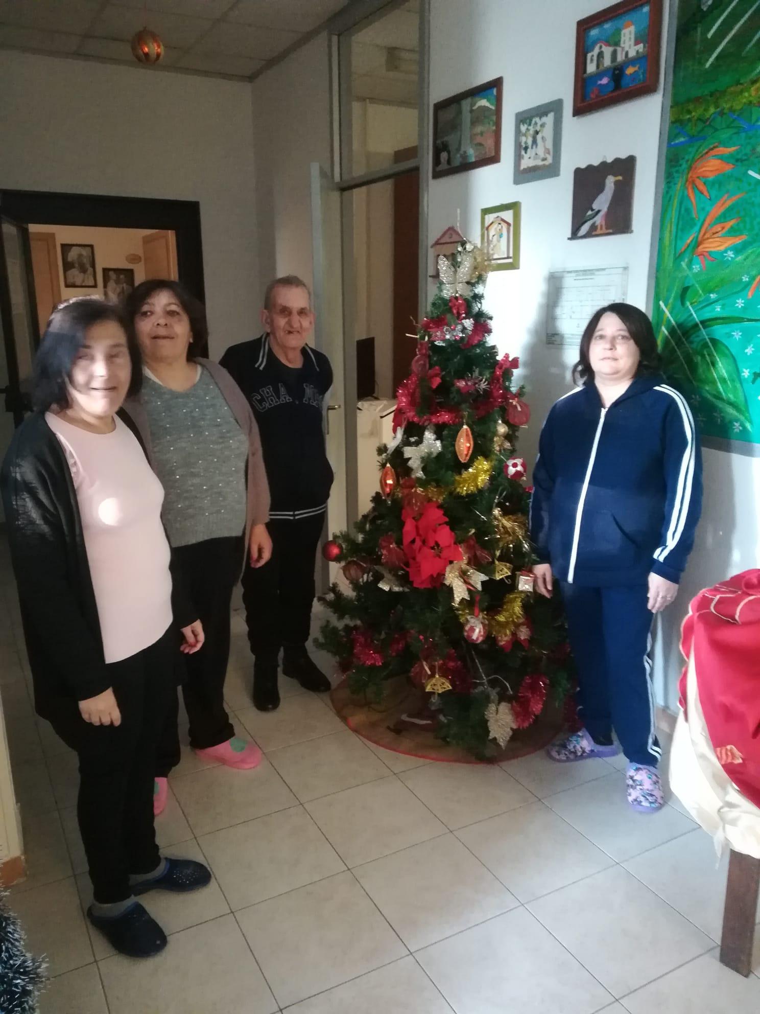 """Il Natale nella Casa Alloggio """"Casa di Vito"""" 9"""